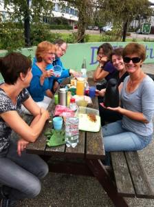 Samen theedrinken na een meewerkdag